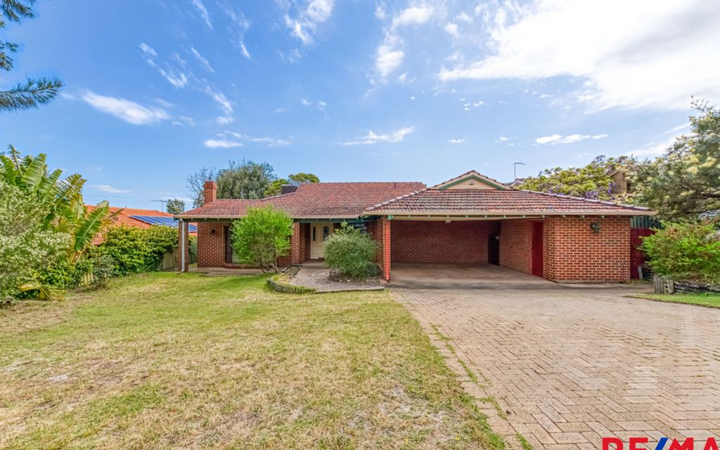 Beautiful Family Home With Pool – Don't miss out !