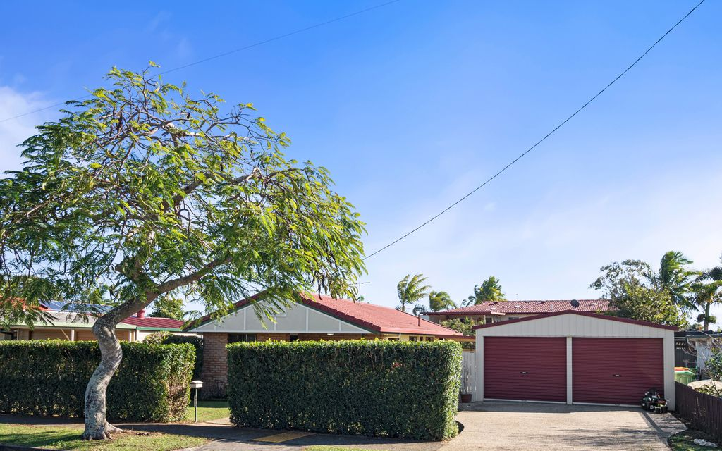 PERFECT FIRST FAMILY HOME IN PRIME BIRKDALE LOCATION