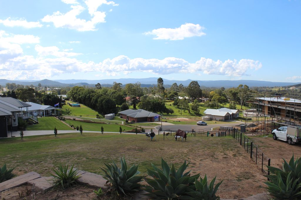 3,000 sqm, Outstanding Views, Only Minutes to Toowoomba!