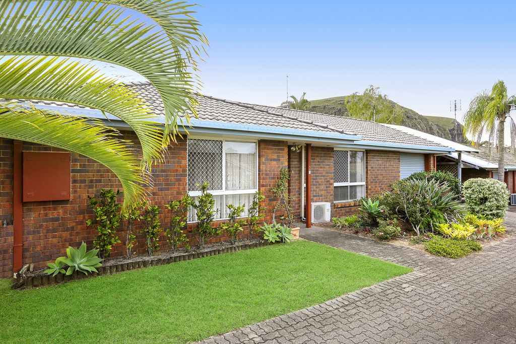 Opportunity knocks at this spacious Mount Coolum unit