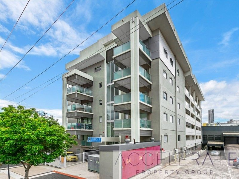 Fantastic Studio only a stones throw from the CBD! Furnished