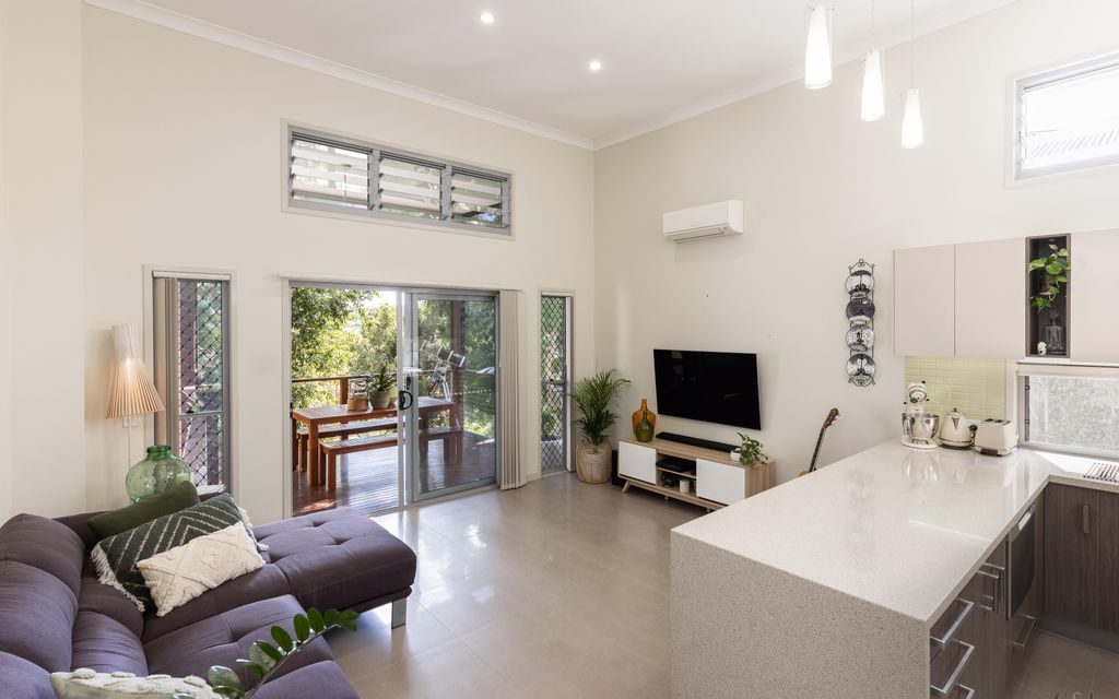 Contemporary Interior, Spacious Private Layout with Excellent Alfresco