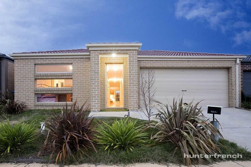 WELL PRESENTED HOME IN POINT COOK