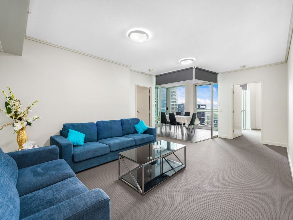 Incredible Apartment in Festival Towers | Freshly Renovated