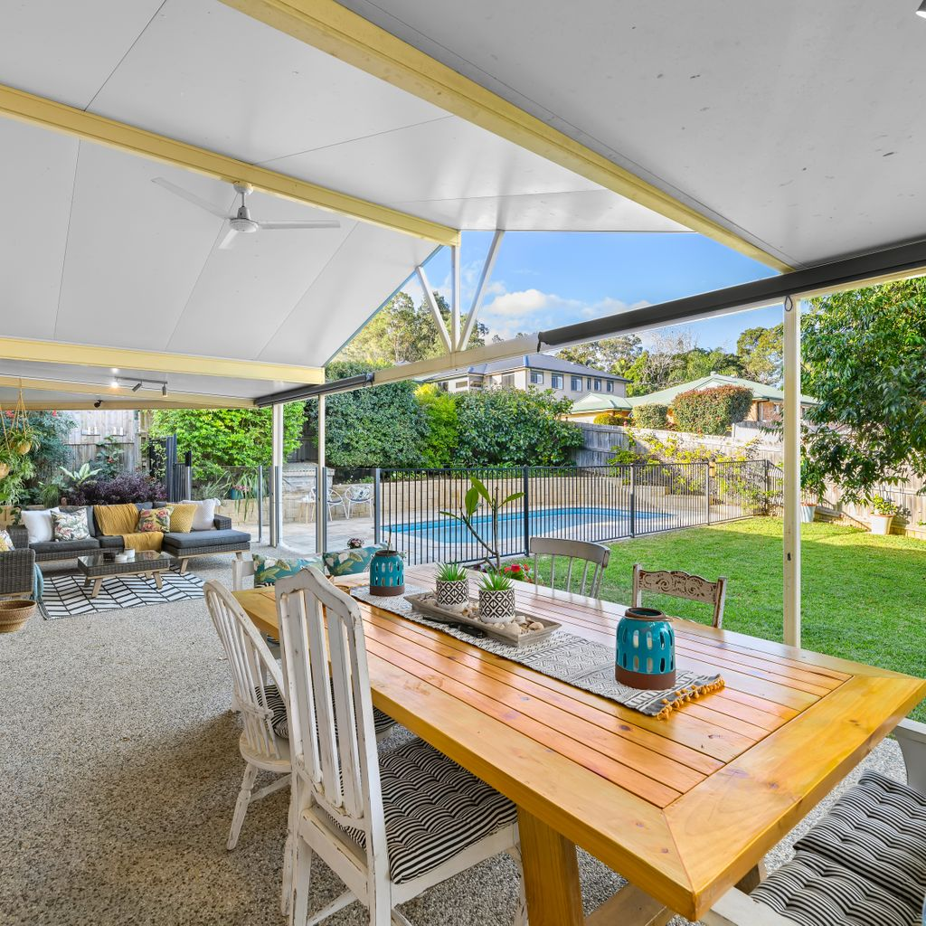 OUTSTANDING FAMILY SPACE WITH SUPERB ALFRESCO