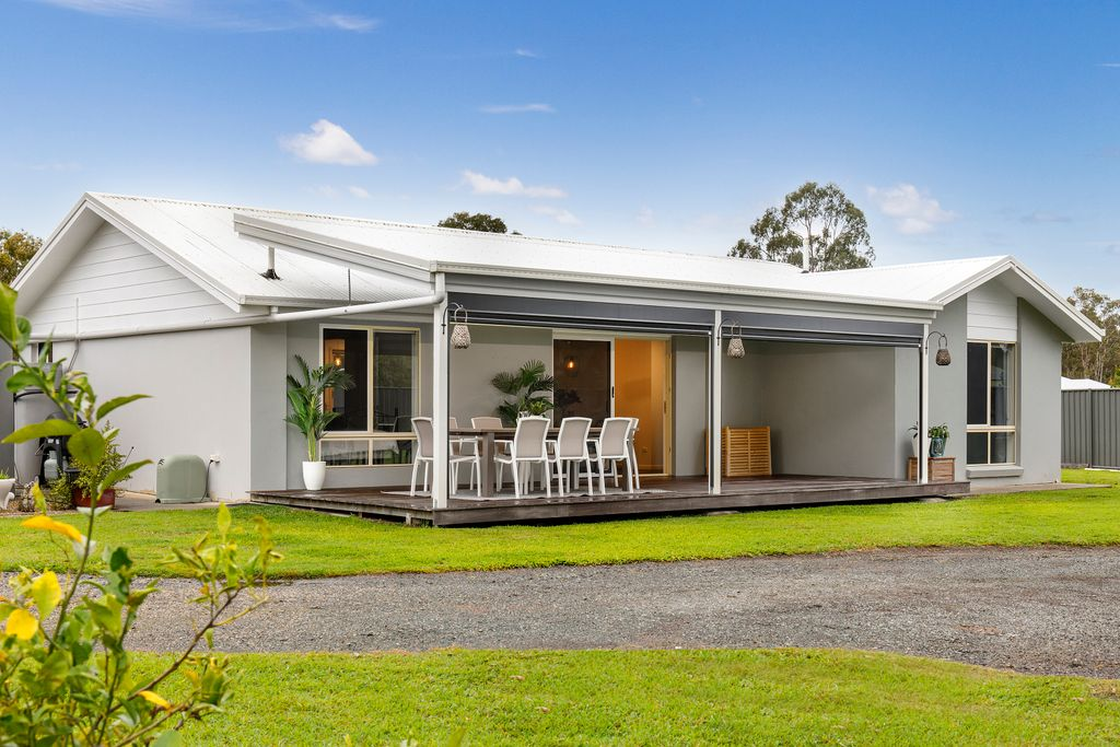 Country Feel with Noosa Conveniences