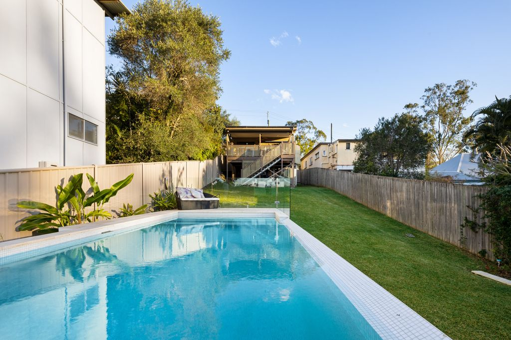 OWNERS BOUGHT ELSEWHERE – The last chance to purchase in Rosalie!