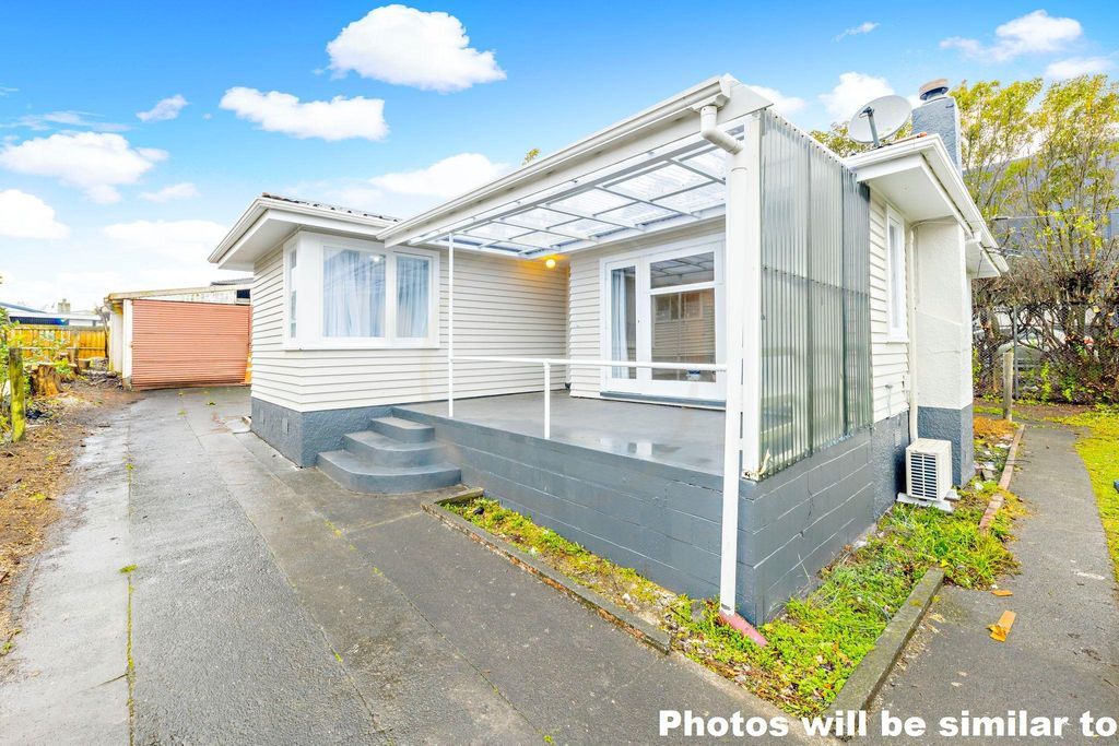 Spacious living on 842m2 of land!