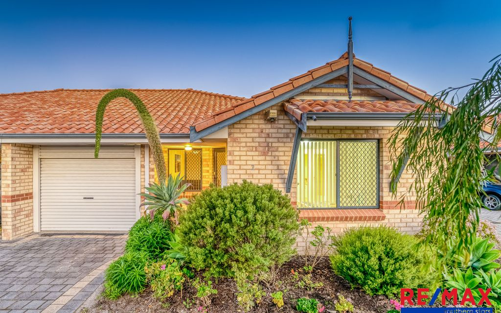 Street Front Villa…..By Mitchell Family Team