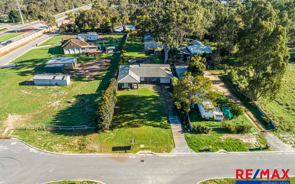 WOW – 1,742sqm block this close to the city.. by the Mitchell Family Team