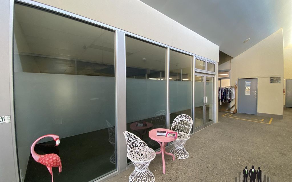 Retail/Office Space Available In Busy Complex