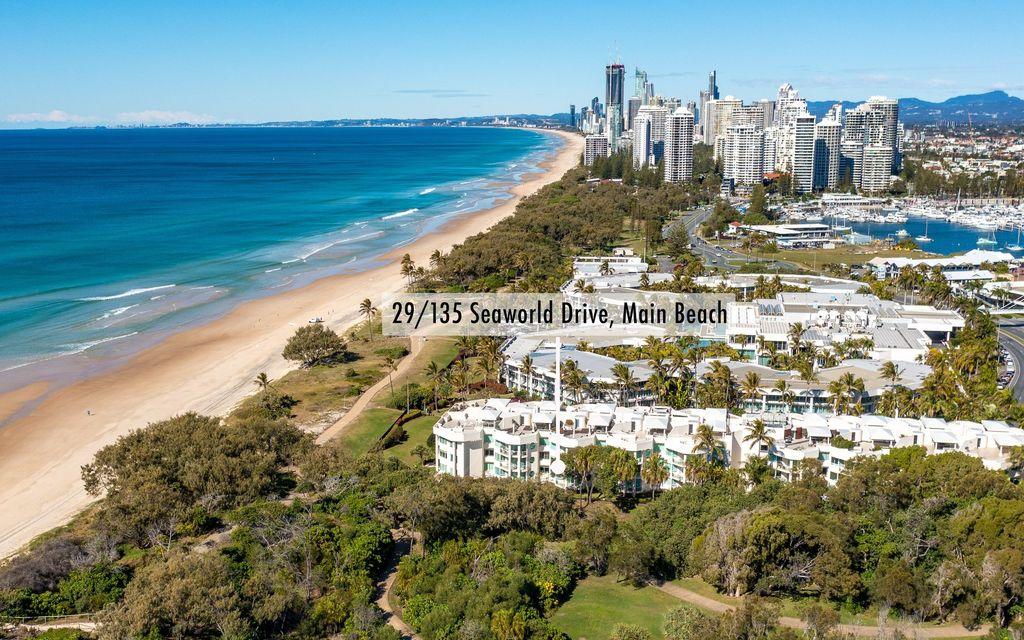Luxurious Beachfront Villa within the Pacific Mirage