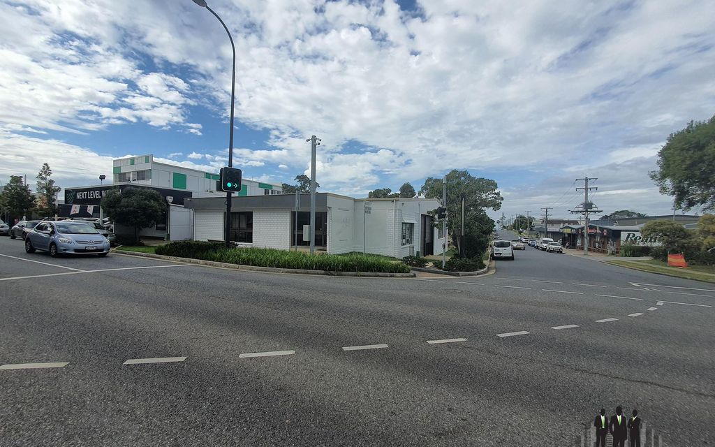 High Exposure Retail & Warehouse Opportunity