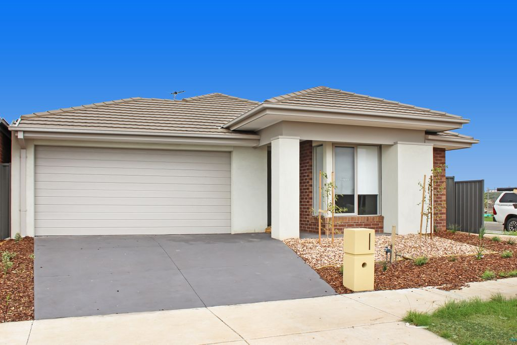 NEAR NEW FOUR BEDROOM HOME IN NEW ESTATE