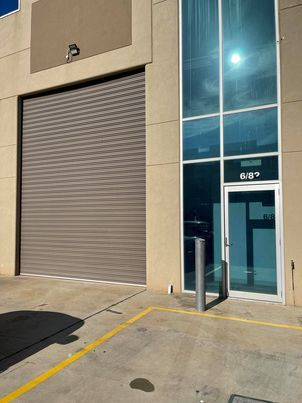 OFFICE WITH A WAREHOUSE THAT'S PERFECT FOR YOU!