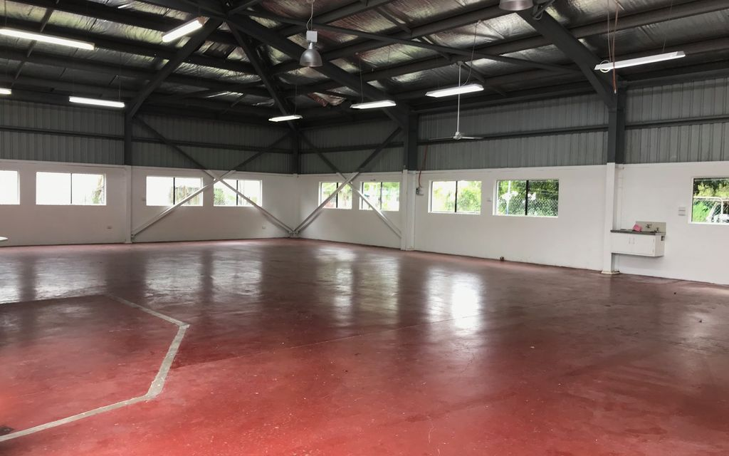 LARGE COMMERCIAL WAREHOUSE FOR SALE WITH GUARANTEED POSITIVE RETURN