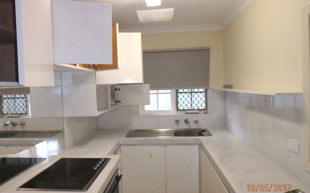 SPACIOUS 2 x 1 UNFURNISHED VILLA, GREAT LOCATION, CLOSE TO WESLEY COLLEGE!