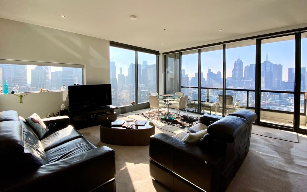 Front corner 3 bedroom apartment with balcony (SOLD off the market by iProperty Melb)