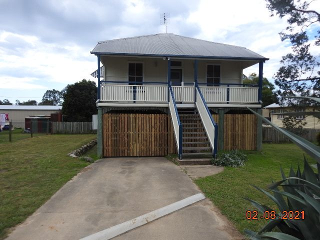 MODERN, AIR CONDITIONED, HIGH SET HOME, CLOSE TO TOWN!