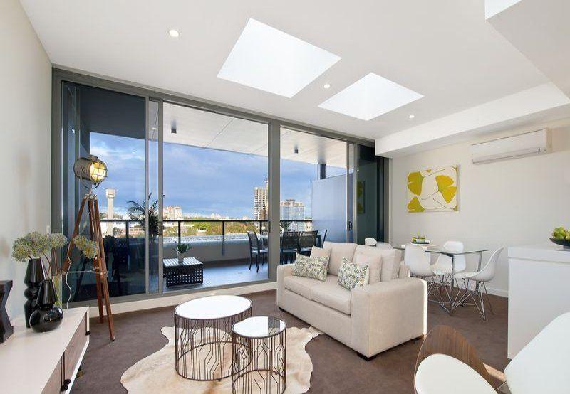 Split level 3 bedroom apartment at Divercity!!
