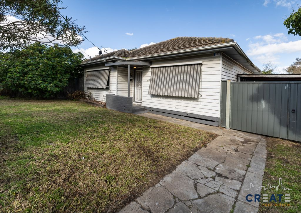 FULLY RENOVATED AND GREAT LOCATION