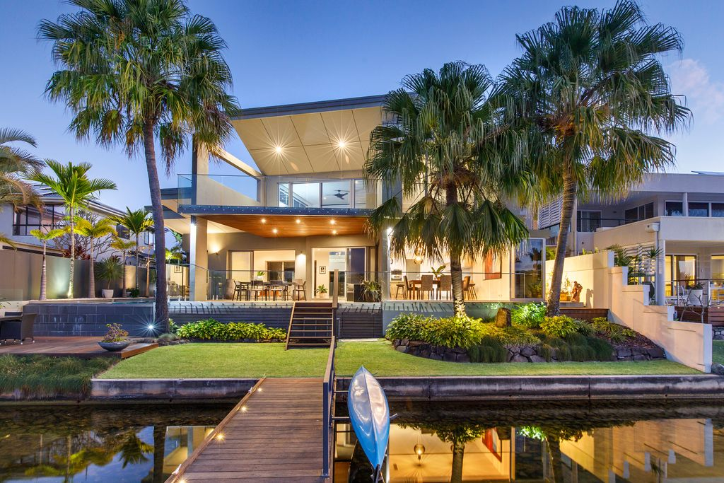 Luxurious Canal Home with a Private Jetty