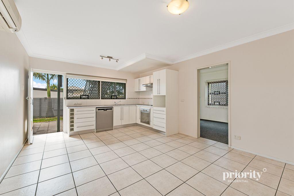 Ground floor unit with separate room/study/storage option