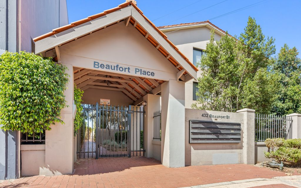 Unfurnished One Bedroom Apartment In Great Location !