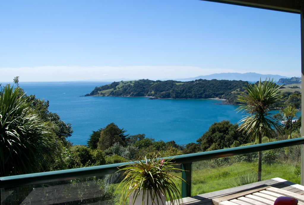 ADD YOUR MAGIC TO THESE FABULOUS SEA VIEWS