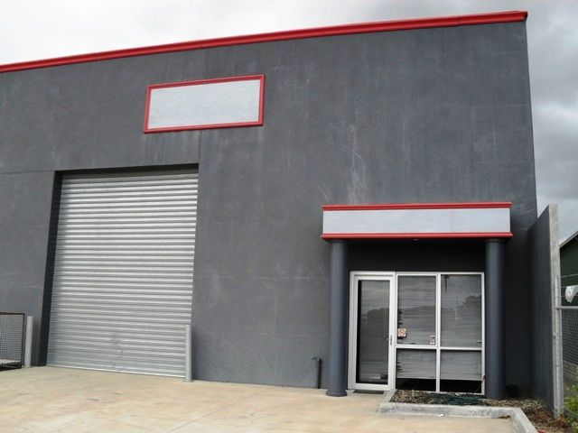 INDUSTRIAL SHED – IDEAL FOR A WORK SHOP, BUSINESS OR WAREHOUSE SPACE