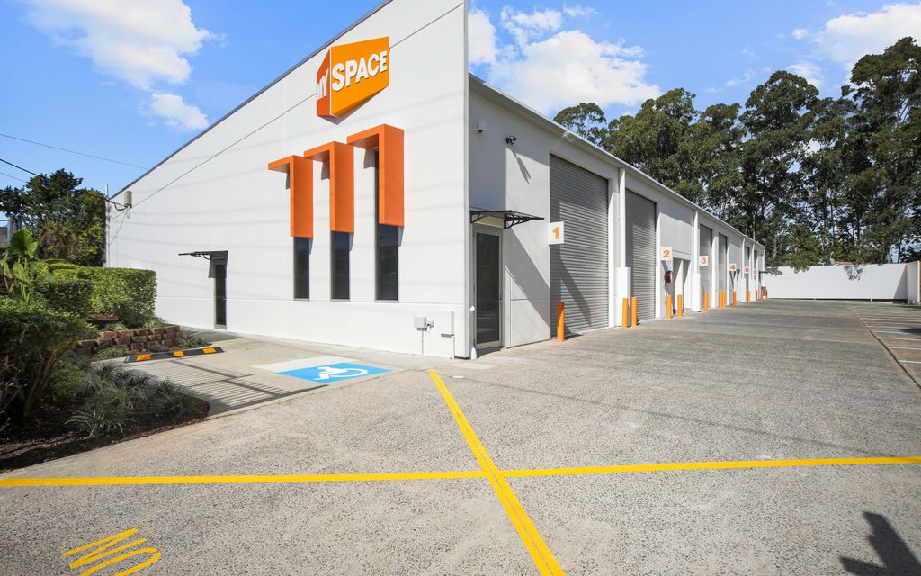 Front Unit – Industrial Warehouse with Corporate Appeal