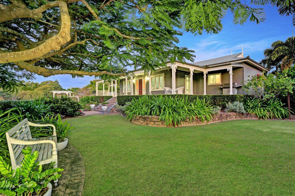 Beautiful Modern designed Queenslander
