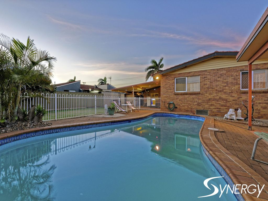 PERFECT FAMILY HOME WITH POOL