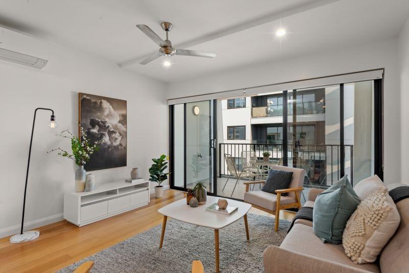 A Fresh Phenomenal Apartment in Bowden!
