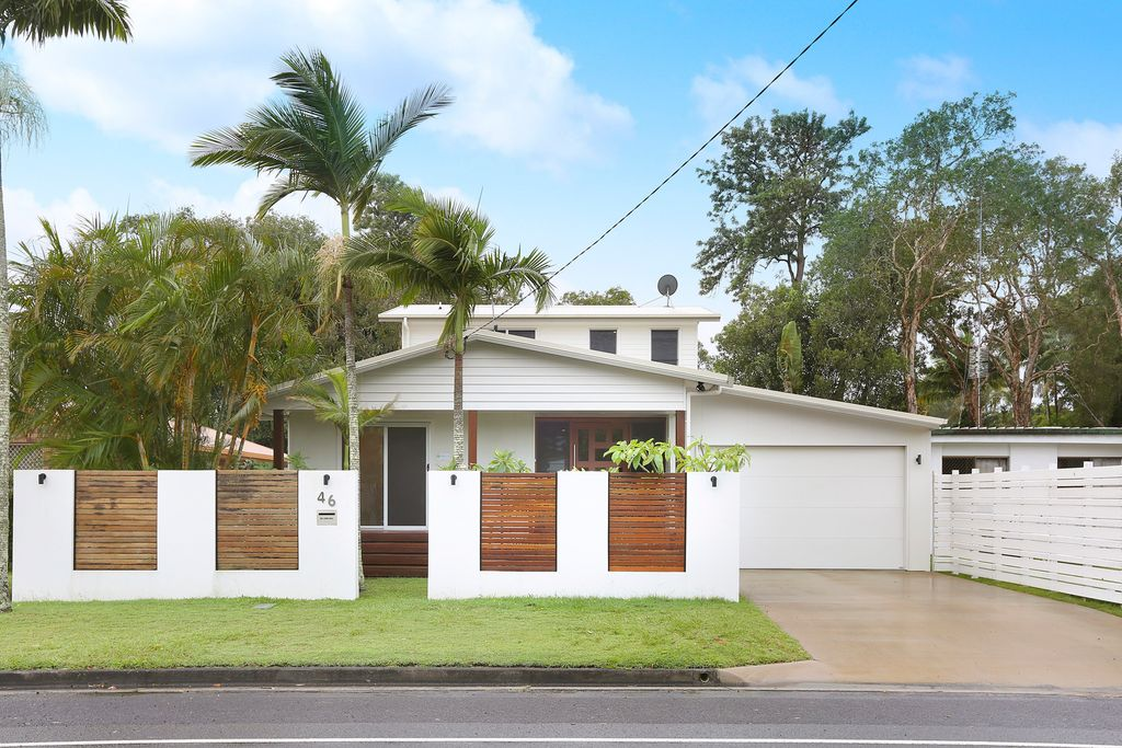 Family home in central Coolum