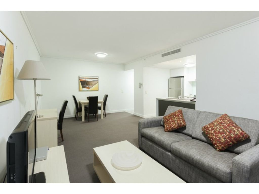 Spacious one bedroom unit in the middle of Brisbane City!