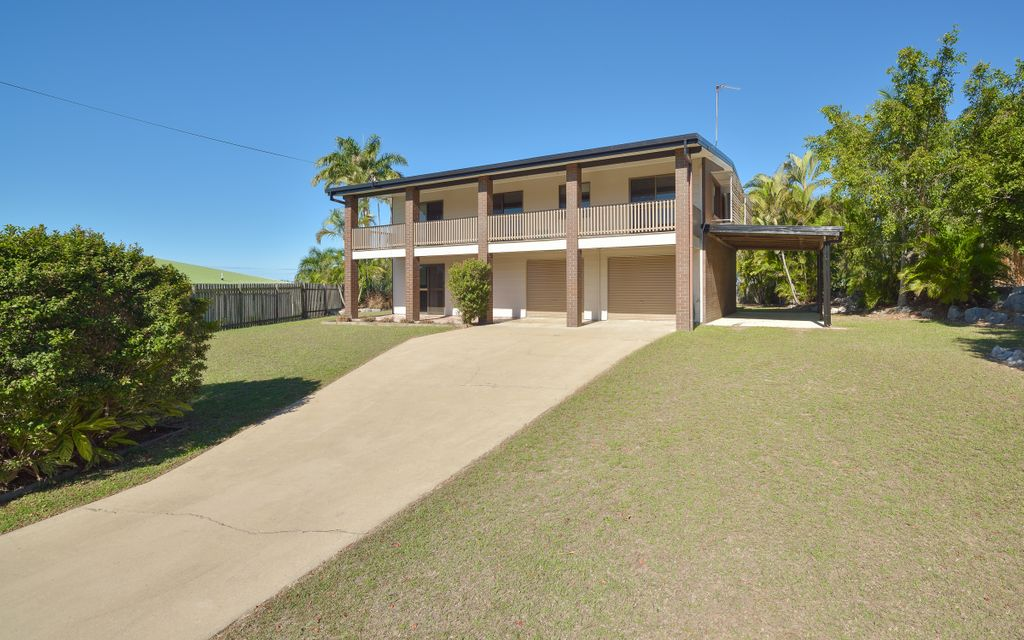 Lovely family home in Boyne Island with side access!