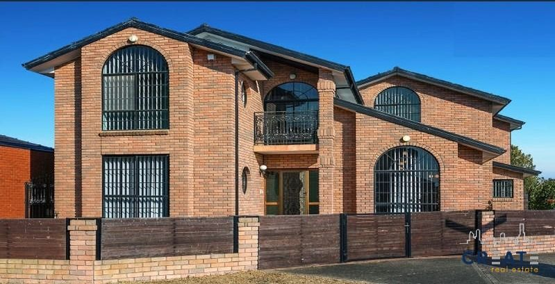 SPACIOUS HOME IN ST ALBANS
