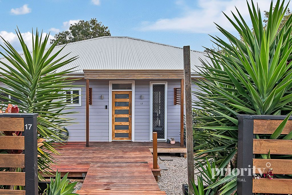 Modernised Postwar in highly sought-after Location