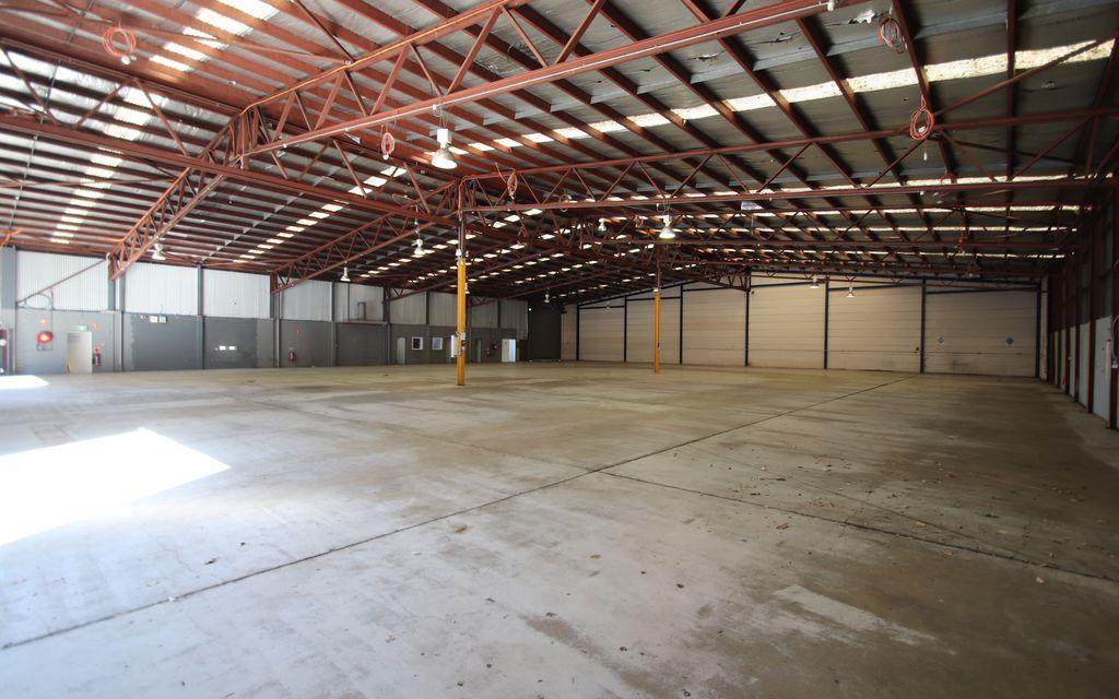 Logistics / Service Centre