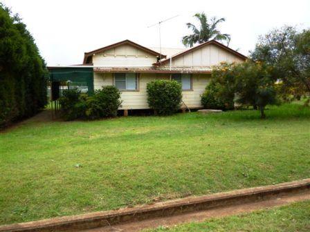 3 Bedroom 2 Bathroom Home in Kumbia