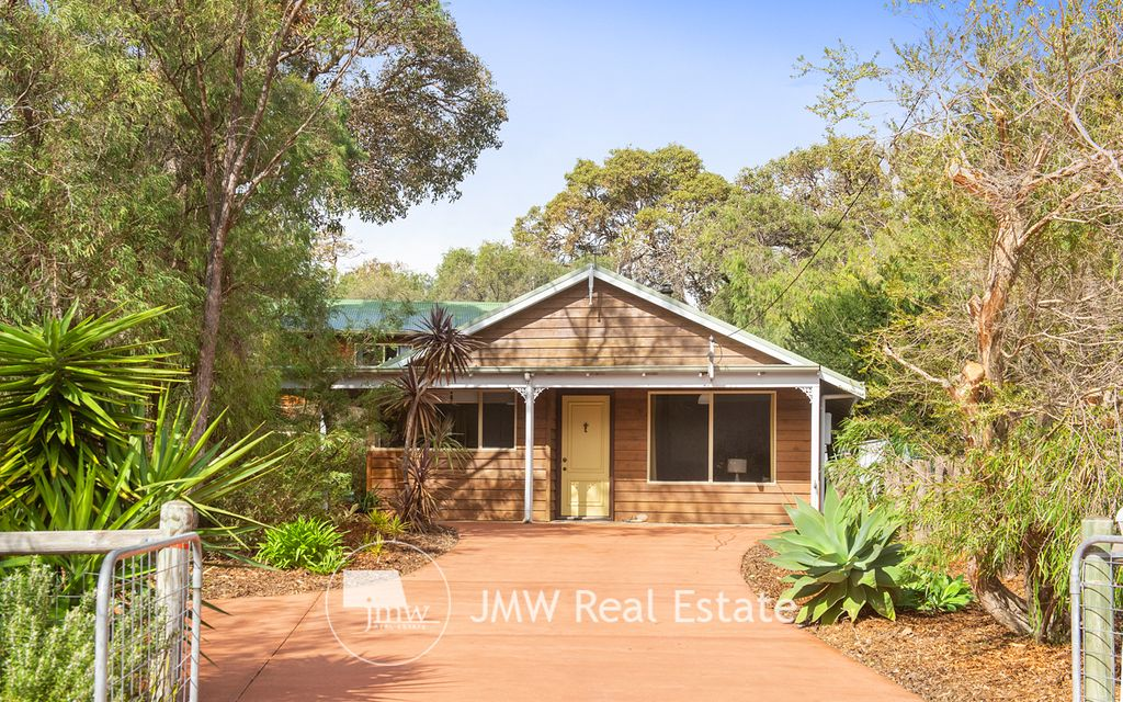SOUGHT AFTER LOCATION IN THE HEART OF DUNSBOROUGH