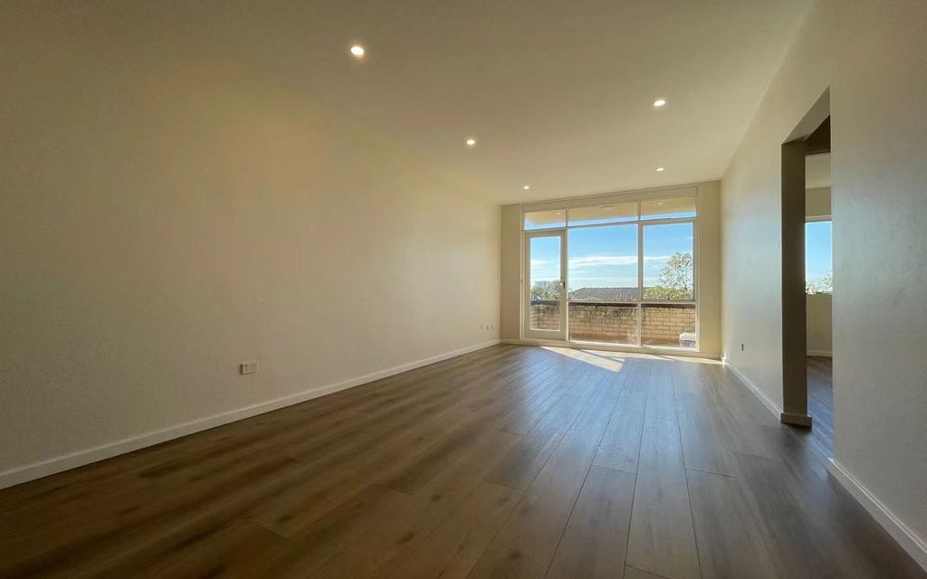 Fully Renovated 2 bedroom unit + City Views