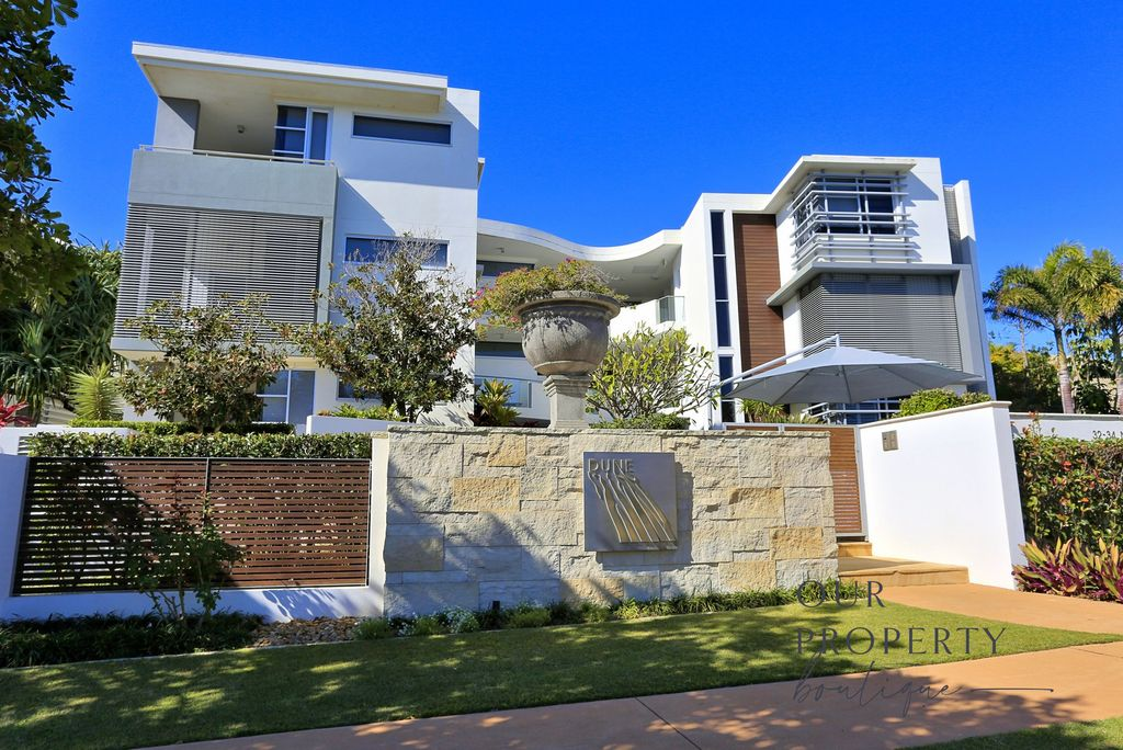 OPPORTUNITY FOR LUXURY BEACHFRONT LIVING – FULLY FURNISHED