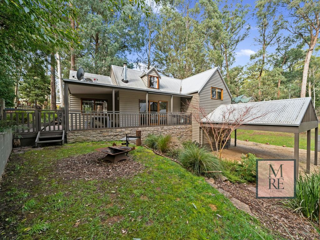 STORYBOOK CHARM IN A TRANQUIL SETTING AT THE FOOT OF MT BULLER
