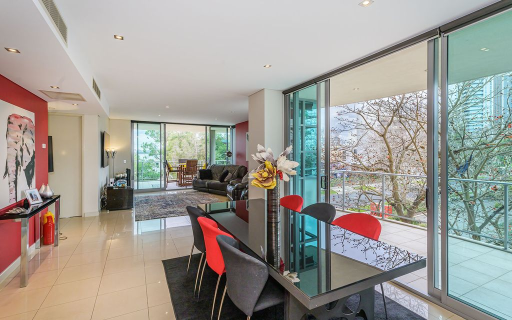 What A Lifestyle………….Full Floor Executive Apartment