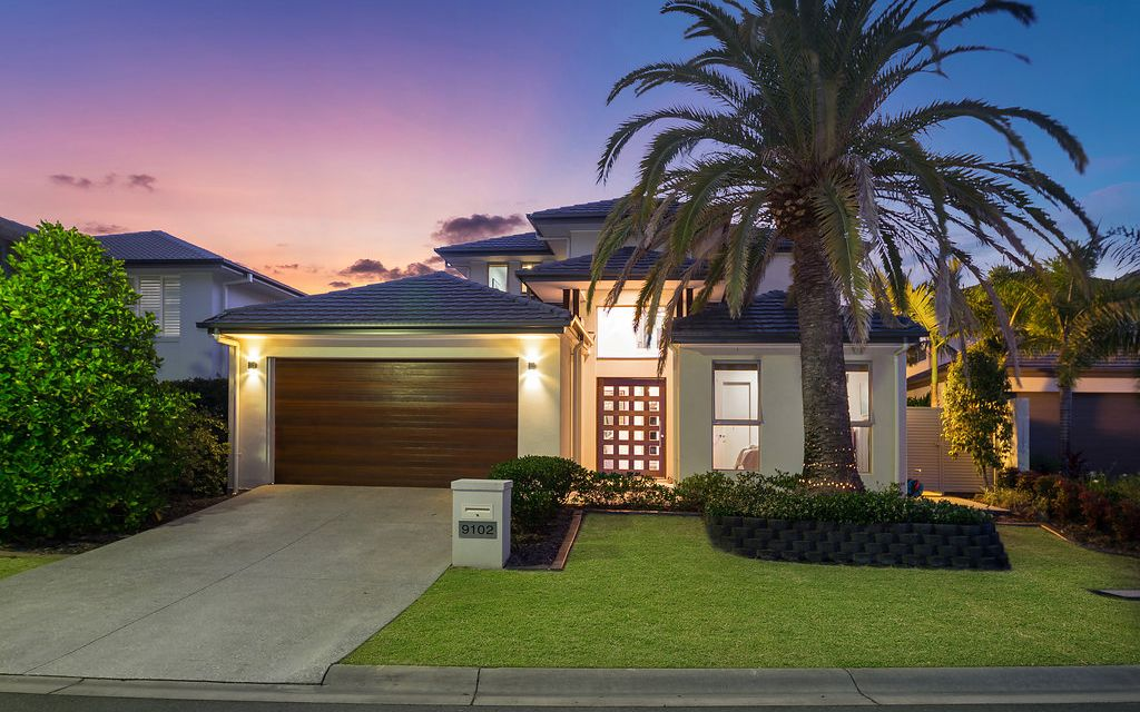 Contemporary Home Oozing Style & Sophistication
