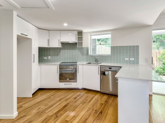 TWO BEDROOM APARTMENT IN PRIME LOCATION