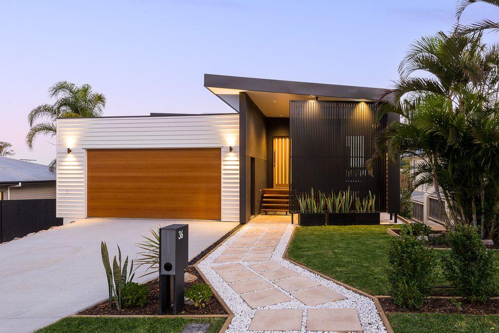 LUXURY HOME – Contemporary Design Showcasing 180 Views