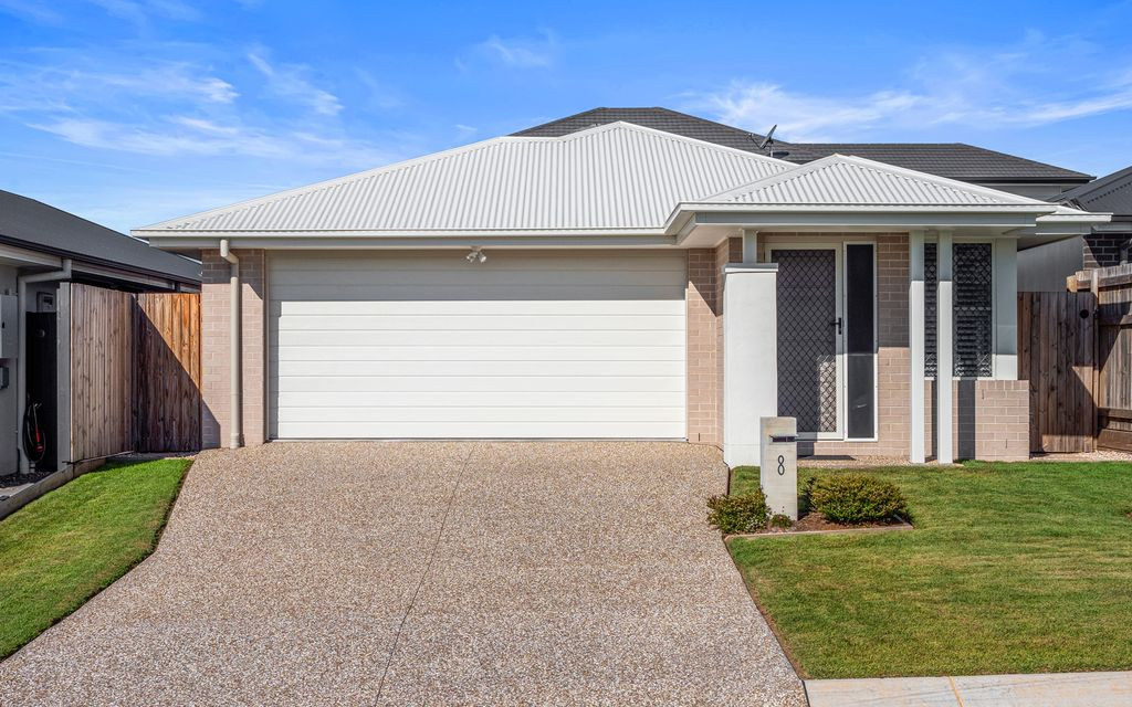 STYLISH AND MODERN AUSBUILD HOME PERFECT FOR FIRST HOME BUYERS, DOWNSIZERS AND INVESTORS ALIKE.
